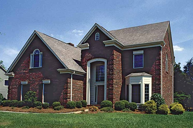 House Plan Design - Traditional Exterior - Front Elevation Plan #453-517