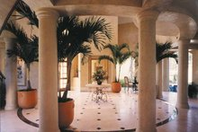 Home Plan - Mediterranean Interior - Entry Plan #930-256