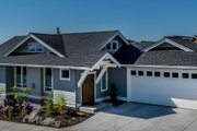 Craftsman Style House Plan - 2 Beds 2 Baths 1230 Sq/Ft Plan #895-57 Exterior - Front Elevation