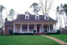 House Plan Design - Southern Exterior - Front Elevation Plan #36-216