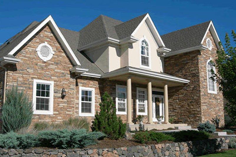 Traditional Photo Plan #20-1086 - Houseplans.com