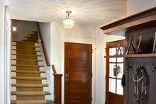House Design - Ranch Interior - Entry Plan #70-1499