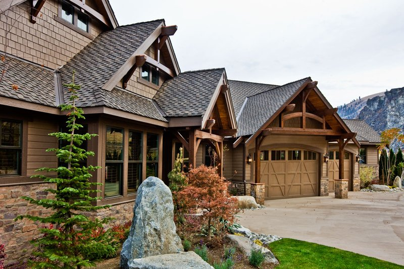 House Plan Design - 3780 sft craftsman style house plan from elevation