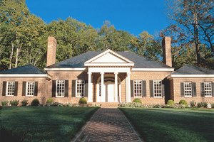 Southern Exterior - Front Elevation Plan #137-116