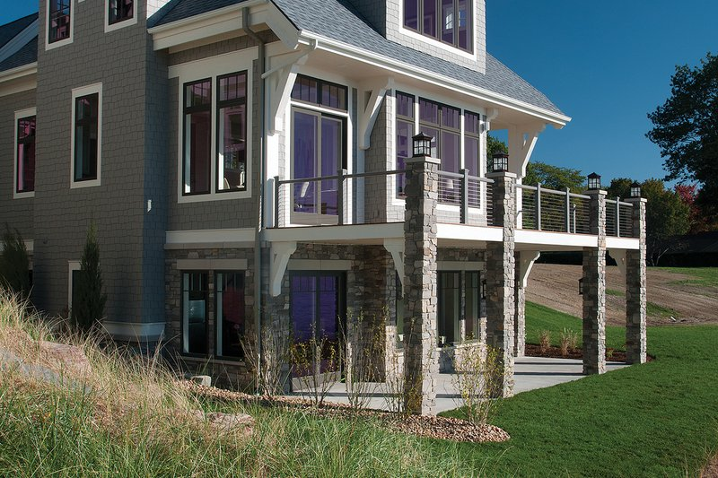 Traditional Exterior - Rear Elevation Plan #928-11 - Houseplans.com