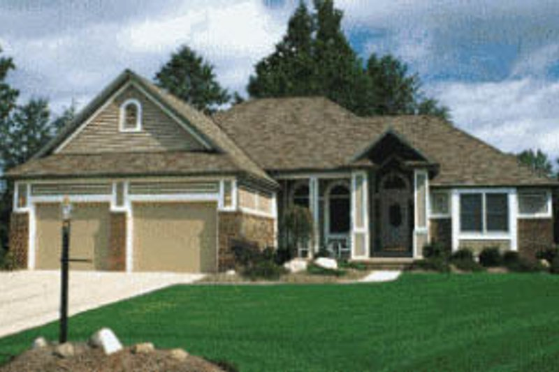 Traditional Exterior - Front Elevation Plan #20-104 - Houseplans.com