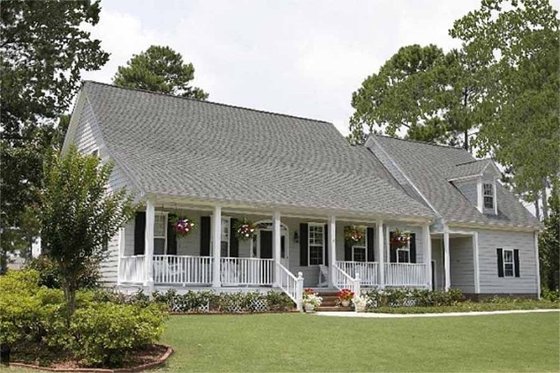 Farmhouse Exterior - Front Elevation Plan #137-122 - Houseplans.com