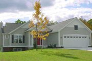Traditional Style House Plan - 2 Beds 1 Baths 1264 Sq/Ft Plan #49-110