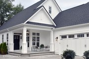 Craftsman Style House Plan - 3 Beds 2 Baths 1583 Sq/Ft Plan #929-84 Exterior - Front Elevation