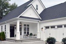 Craftsman Exterior - Front Elevation Plan #929-84