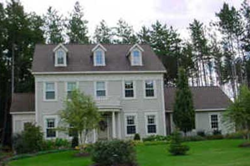 Colonial Style House Plan - 4 Beds 2.5 Baths 2390 Sq/Ft Plan #49-129
