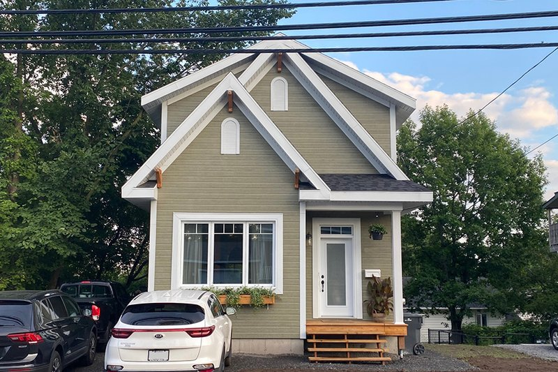 Architectural House Design - Craftsman Photo Plan #23-2604