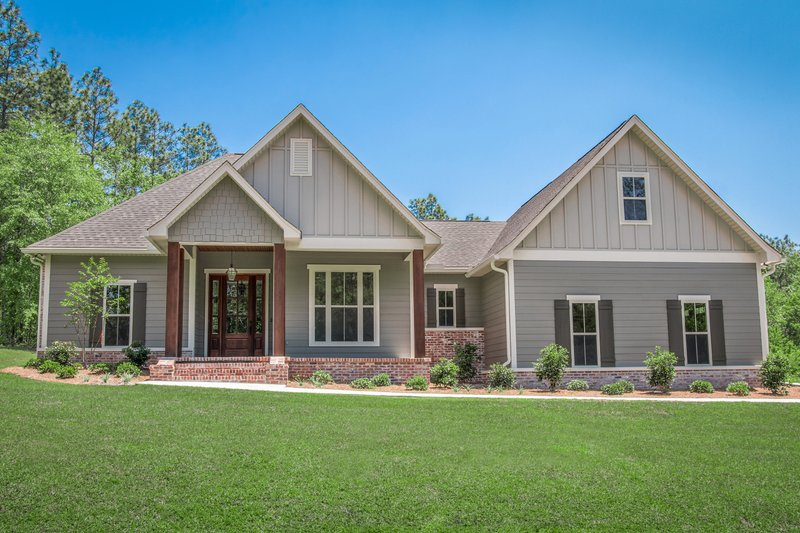 Architectural House Design - Craftsman Exterior - Front Elevation Plan #430-172