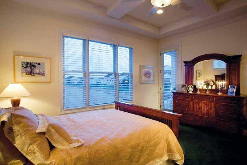 Craftsman Interior - Master Bedroom Plan #930-356 - Houseplans.com