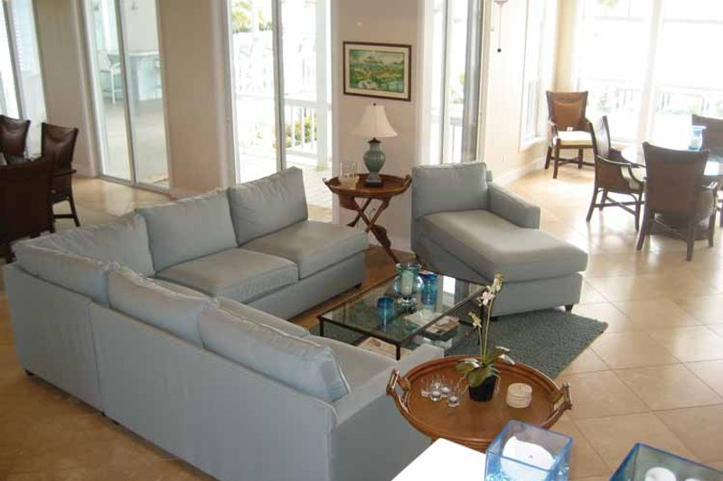 Country Interior - Family Room Plan #928-41 - Houseplans.com