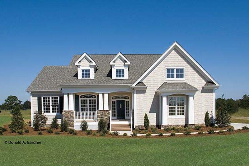Ranch Exterior - Front Elevation Plan #929-745 - Houseplans.com