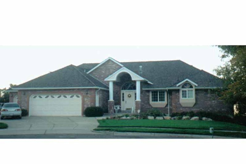 Ranch Exterior - Front Elevation Plan #945-33 - Houseplans.com