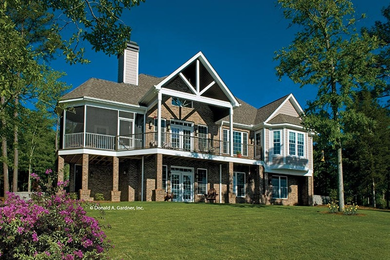 Traditional Exterior - Rear Elevation Plan #929-910 - Houseplans.com