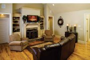 Traditional Style House Plan - 4 Beds 4.5 Baths 3080 Sq/Ft Plan #929-778 Interior - Family Room