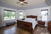 Craftsman Style House Plan - 4 Beds 4 Baths 2966 Sq/Ft Plan #929-988 Interior - Master Bedroom