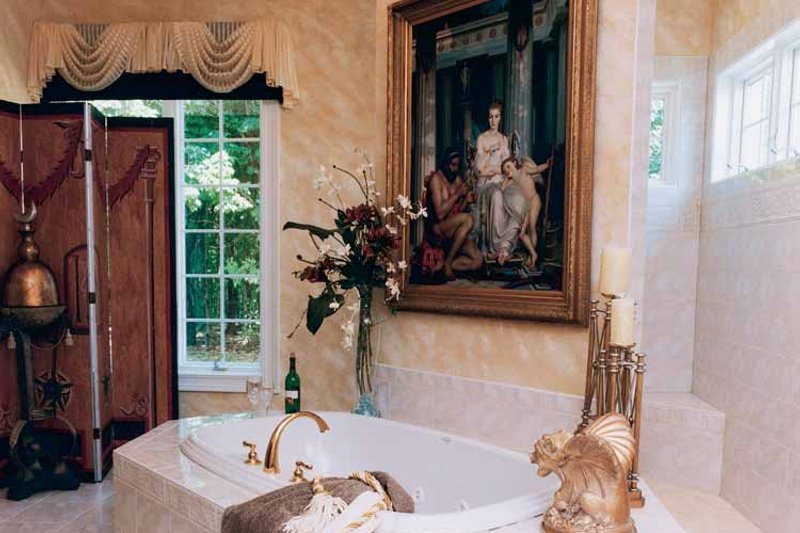 Traditional Interior - Bathroom Plan #46-567 - Houseplans.com