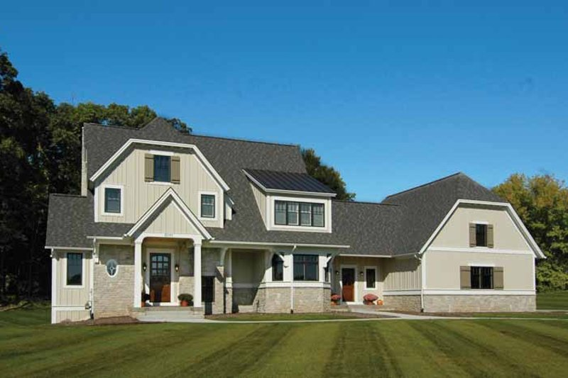 Craftsman Exterior - Front Elevation Plan #928-172