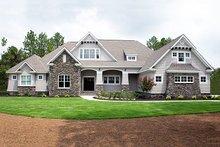 Craftsman Exterior - Front Elevation Plan #929-24