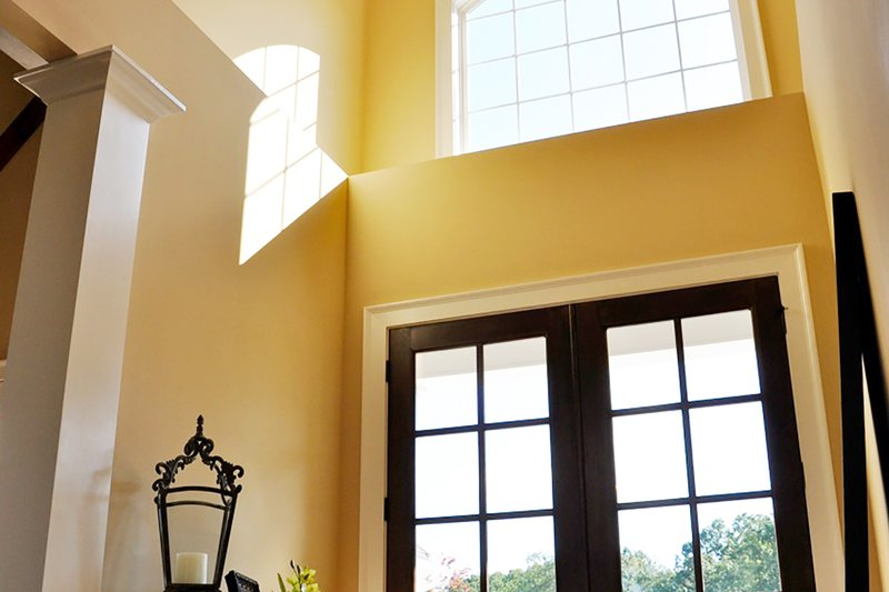 Craftsman Interior - Entry Plan #437-60 - Houseplans.com