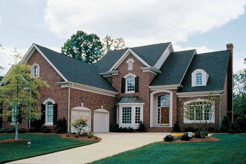 House Plan Design - Traditional Exterior - Front Elevation Plan #453-162