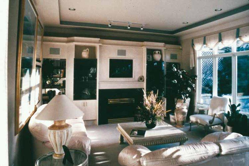 Mediterranean Interior - Family Room Plan #47-875 - Houseplans.com