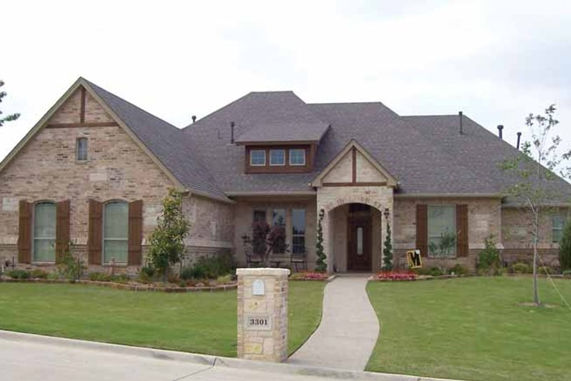 Home Plan - Tudor Exterior - Front Elevation Plan #84-714