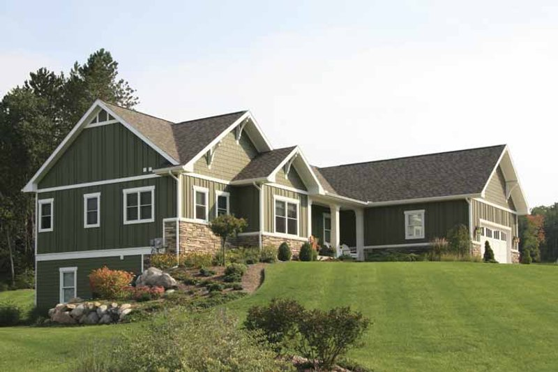 Craftsman Exterior - Front Elevation Plan #928-129 - Houseplans.com