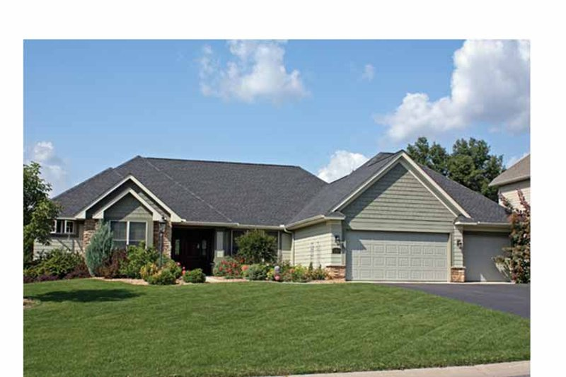 Ranch Exterior - Front Elevation Plan #51-1065 - Houseplans.com
