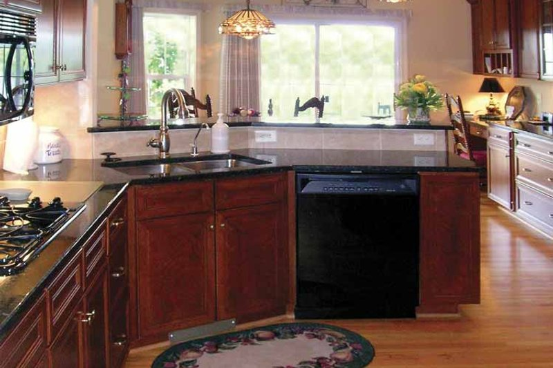Ranch Interior - Kitchen Plan #456-81 - Houseplans.com