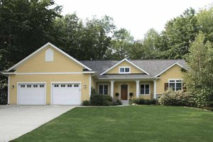 Craftsman Exterior - Front Elevation Plan #928-140
