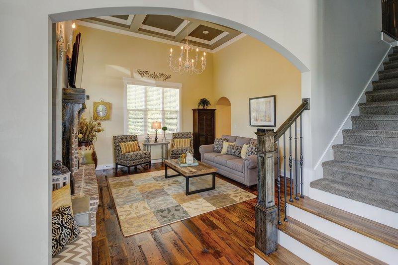 Interior - Entry Plan #927-362 - Houseplans.com