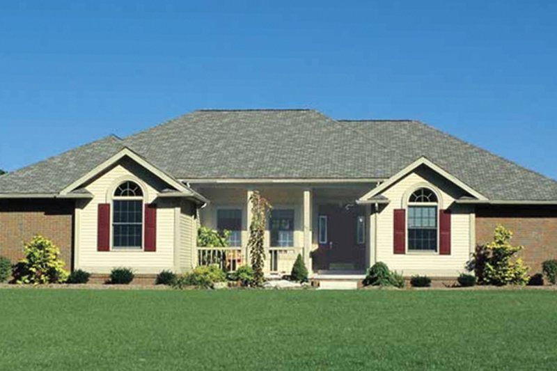 Traditional Exterior - Front Elevation Plan #20-2244 - Houseplans.com