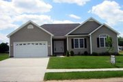 Ranch Style House Plan - 3 Beds 2 Baths 1470 Sq/Ft Plan #412-103 Exterior - Front Elevation