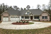 Craftsman Style House Plan - 4 Beds 2.5 Baths 2834 Sq/Ft Plan #437-87 Exterior - Front Elevation