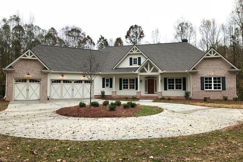 Dream House Plan - Craftsman Exterior - Front Elevation Plan #437-87