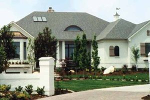 Contemporary Exterior - Front Elevation Plan #945-30