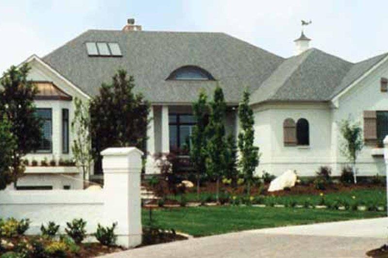 House Plan Design - Contemporary Exterior - Front Elevation Plan #945-30