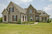 European Style House Plan - 4 Beds 3 Baths 3025 Sq/Ft Plan #424-252 Exterior - Front Elevation