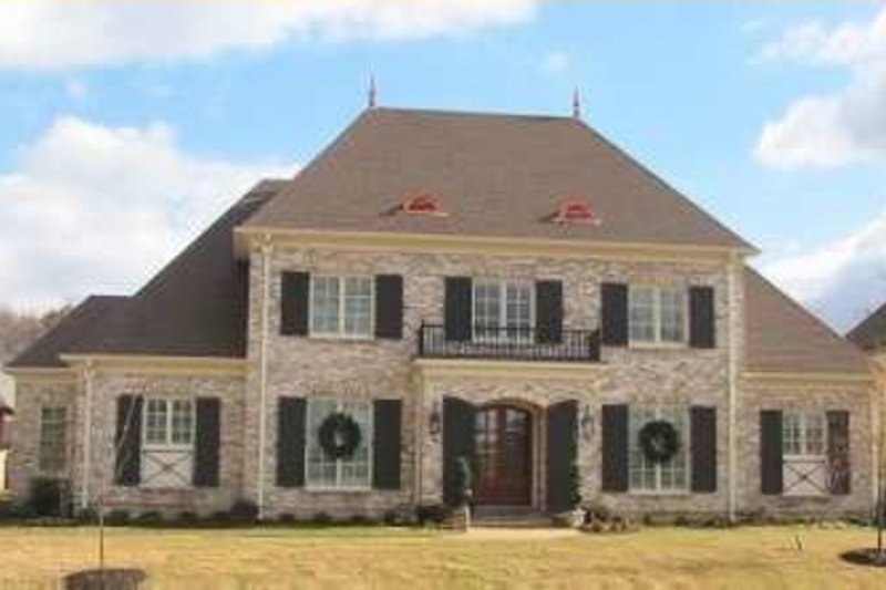 Colonial Style House Plan - 4 Beds 4 Baths 5101 Sq/Ft Plan #81-1631 Exterior - Front Elevation