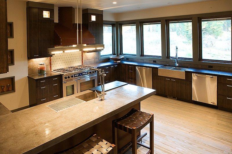 Craftsman Interior - Kitchen Plan #892-7 - Houseplans.com