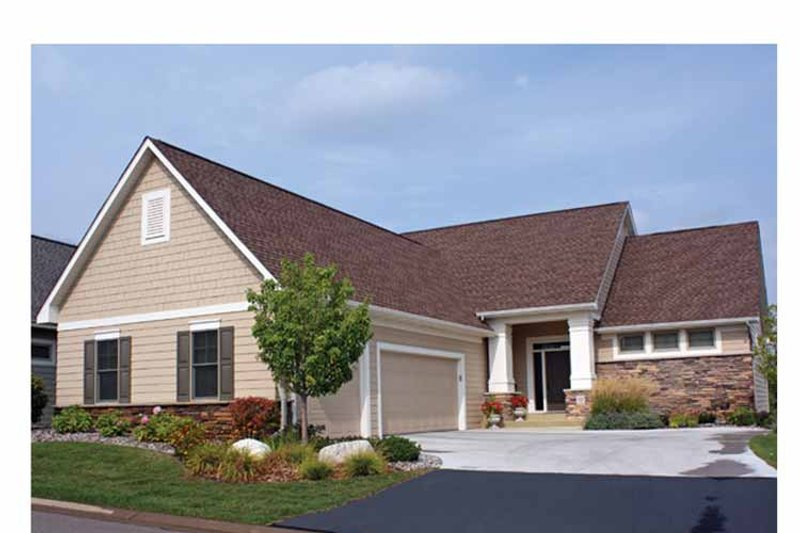 Ranch Exterior - Front Elevation Plan #51-1098