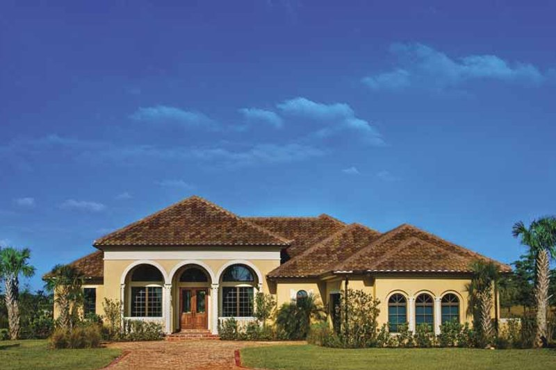 Mediterranean Style House Plan - 4 Beds 3.5 Baths 3271 Sq/Ft Plan #930-58 Exterior - Front Elevation