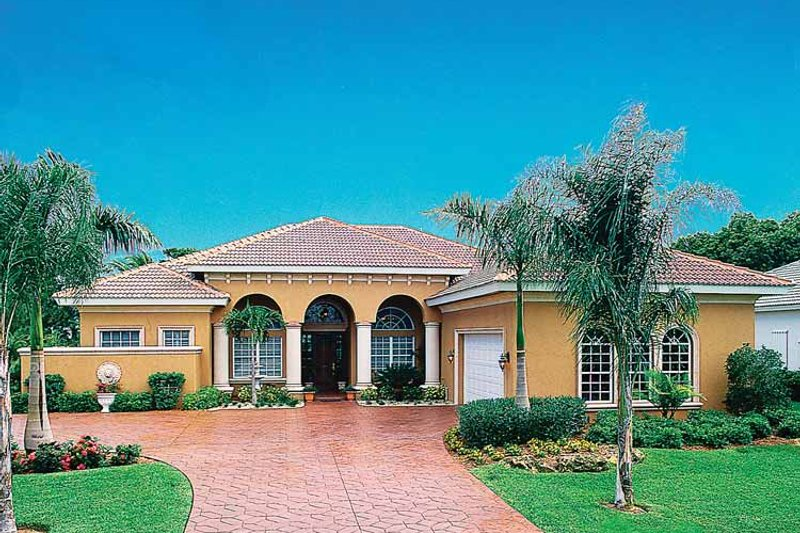 Mediterranean Style House Plan - 3 Beds 2.5 Baths 2907 Sq/Ft Plan #930-60 Exterior - Front Elevation