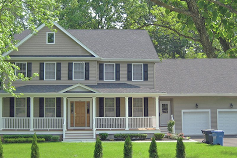 Traditional Exterior - Front Elevation Plan #1053-59 - Houseplans.com