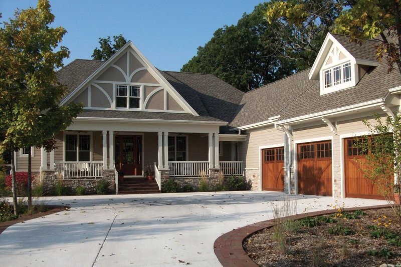 Architectural House Design - Craftsman Exterior - Front Elevation Plan #927-2